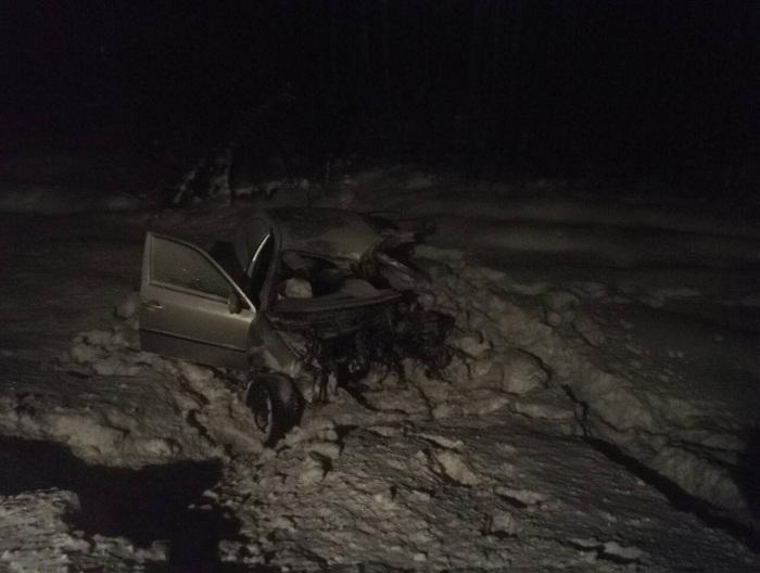 25-летний водитель «Шкоды» погиб в аварии с КамАЗом под Череповцом