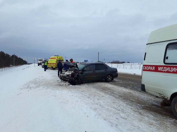 В Вологодском районе столкнулись два автомобиля: пострадали два человека