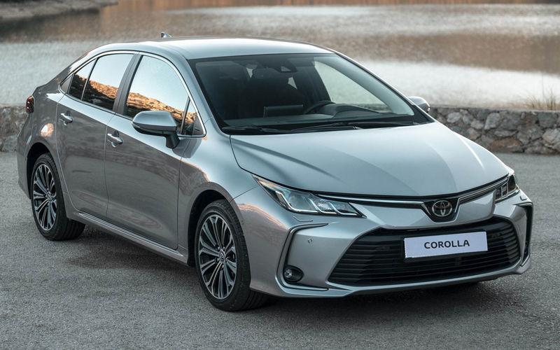 В Российской Федерации начались продажи обновленного поколения Тойота Corolla