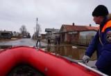 Жители Великоустюгского района вынуждены перемещаться на лодках