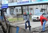 Чиновники городской администрации Вологды приобщились к уборке улиц