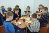 Детей в школах и садах Вологодской области кормят некачественными продуктами