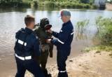 Водолазы очистили дно водоема в детском лагере в Озерках