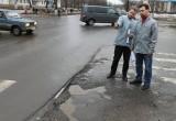 Активисты ОНФ продолжают поиски «убитых» дорог в Вологде