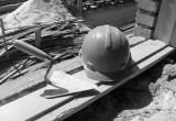 Череповецкий рабочий получил увечья на стройке во время монтажа кирпичной кладки