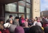 Возмущенные сокольчане вышли митинговать против закрытия поликлиники