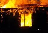 В Бабаевском районе двое мужчин заживо сгорели в деревянном доме