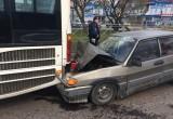 В Череповце пьяный водитель врезался в автобус, пострадал сам (ФОТО)