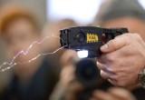 Вологодского водителя будут судить за использование электрошокера в отношении полицейского