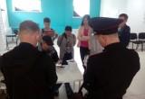 В вологодском штабе Навального полицейские изымают агитационную литературу (Трансляция)