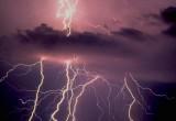 Штормовое предупреждение: на Вологодчину идет гроза с сильным ветром