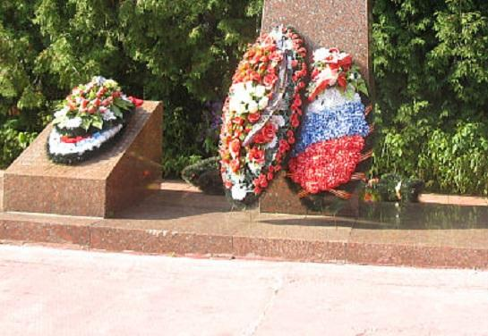 Прокуратура заставила отремонтировать памятник героям войны под Грязовцем