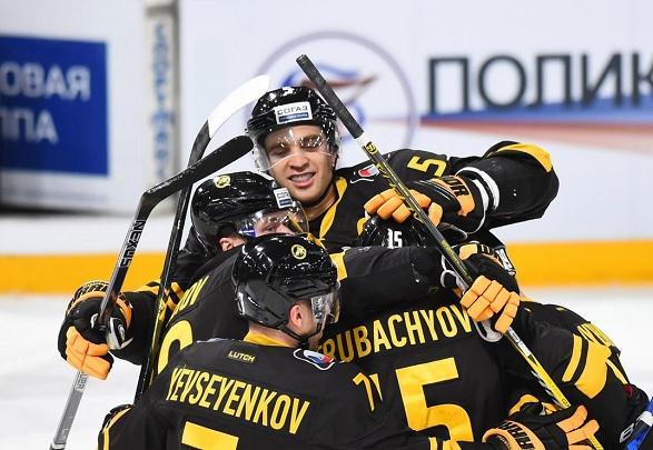 «Северсталь» одержала первую победу в сезоне, обыграв «Локомотив»