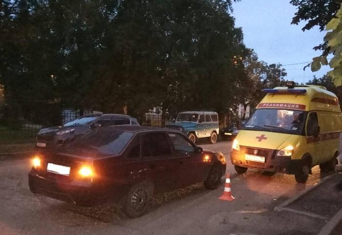 10-летняя школьница попала под иномарку в Вологде, девочка в больнице