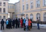 В школе № 1 Вологды нашлись не существующие сотрудники