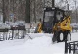 Около сотни единиц техники будут чистить ночью снег на дорогах Вологды