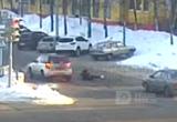 Автоледи сбила детей на пешеходном переходе (ВИДЕО)