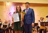 Вологжанок поздравили с 8 Марта в зале колледжа искусств (ФОТО)