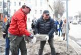 Очередной этап городского субботника провели вологодские чиновники и депутаты (ФОТО)