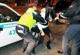Проводом от видеорегистратора по лицу отхлестала полицейского жительница Кичменгского Городка