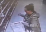 Кража в супермаркете Великого Устюга попала на камеру видеонаблюдения (ВИДЕО)