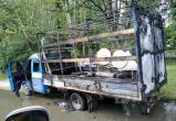 В Иваново ассенизаторы спасли загоревшуюся «Газель»: они потушили пожар содержимым своей машины (ВИДЕО без запаха)