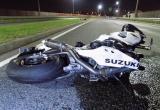 Сам нарушил - сам пострадал: водитель мотоцикла протаранил автомобиль девушки