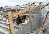 На Красном мосту завершились работы по бетонированию лестниц и установке аппарелей