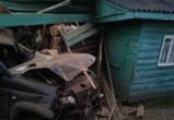 В Сямженском районе погибла женщина: Водитель не справилась с управлением и врезалась в административное здание