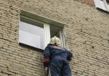 В Череповце спасатели предотвратили падение 5-летнего мальчика из окна