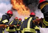 32 пожарных боролись с сильным пламенем в термическом цехе ПЗ