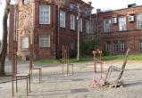 Череповецкие вандалы разрушили арт-объект в музейном дворике (ФОТО)