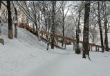 «Крутая деревянная горка» появилась в Кремлевском саду Вологды (ВИДЕО)