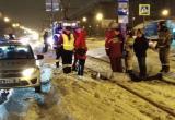В Череповце иномарка покалечила пешехода и остановила движение трамваев (ФОТО)
