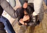 Не там проходил: в Вохтоге группа пьяных парней истязала малознакомого молодого человека
