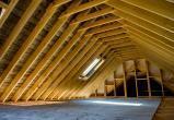 В Вытегре двое рабочих получили серьезные травмы при разборе крыши