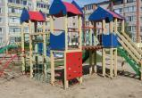 В Шексне сначала построили детскую площадку, потом сами снесли