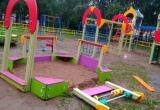 В Череповце вандалы разгромили детский городок