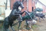 Динозавр и конь из автохлама: удивительные скульптуры создает сварщик из Кириллова (ФОТО)
