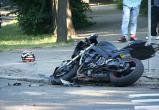 В Череповце 24-летнюю мотоциклистку увезли в больницу в тяжелом состоянии