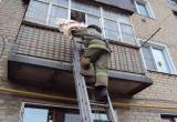 Спасатели помогли девочке, застрявшей на балконе в Череповце