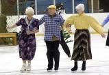 Вологодские пенсионеры смогут покататься на коньках бесплатно