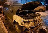Машина известного криминального авторитета полыхала ночью в Вологде