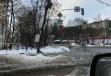 В Вологде накренившаяся электроопора угрожает безопасности людей, но властям все равно