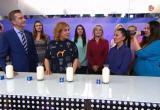 Молоко из Сокола признали лучшим по всем показателям в телепрограмме «Естественный отбор»