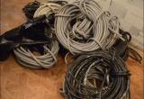 В Бабушкинском районе взрослый мужчина и подросток похищали из жилых домов кабель