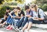 Нужно ли рассказывать детям и подросткам об опасности заражения ВИЧ?