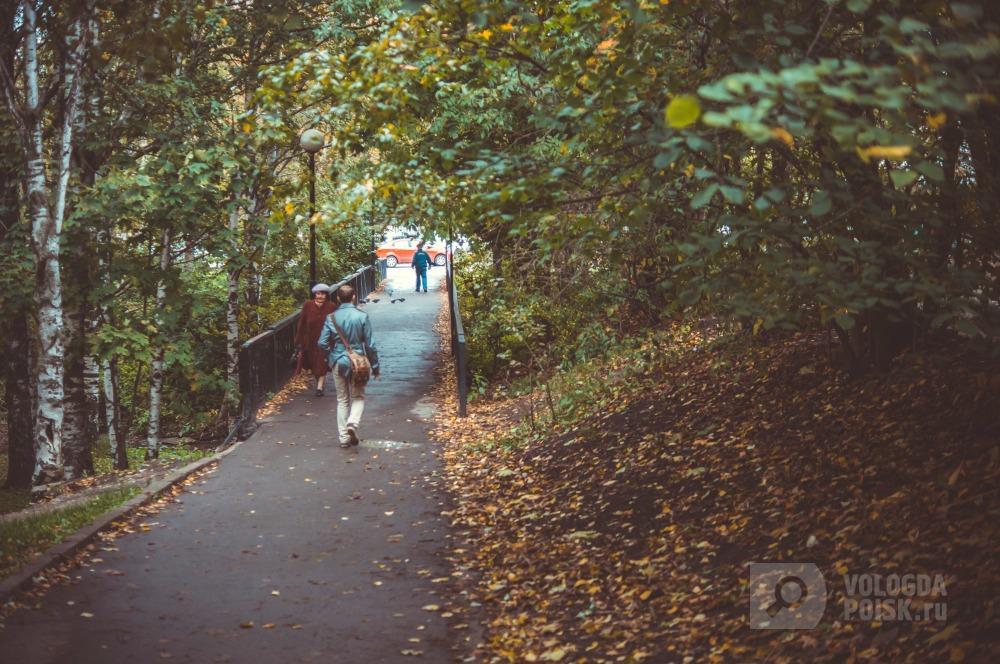 Фото Мост через р.Золотуха к ул.Марии Ульяновой. Фотограф Антон Ромашко